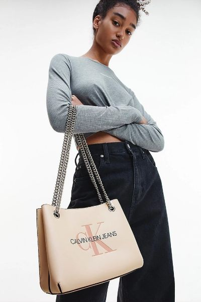 Calvin Klein Convertible Chain Shoulder Bag Muslin